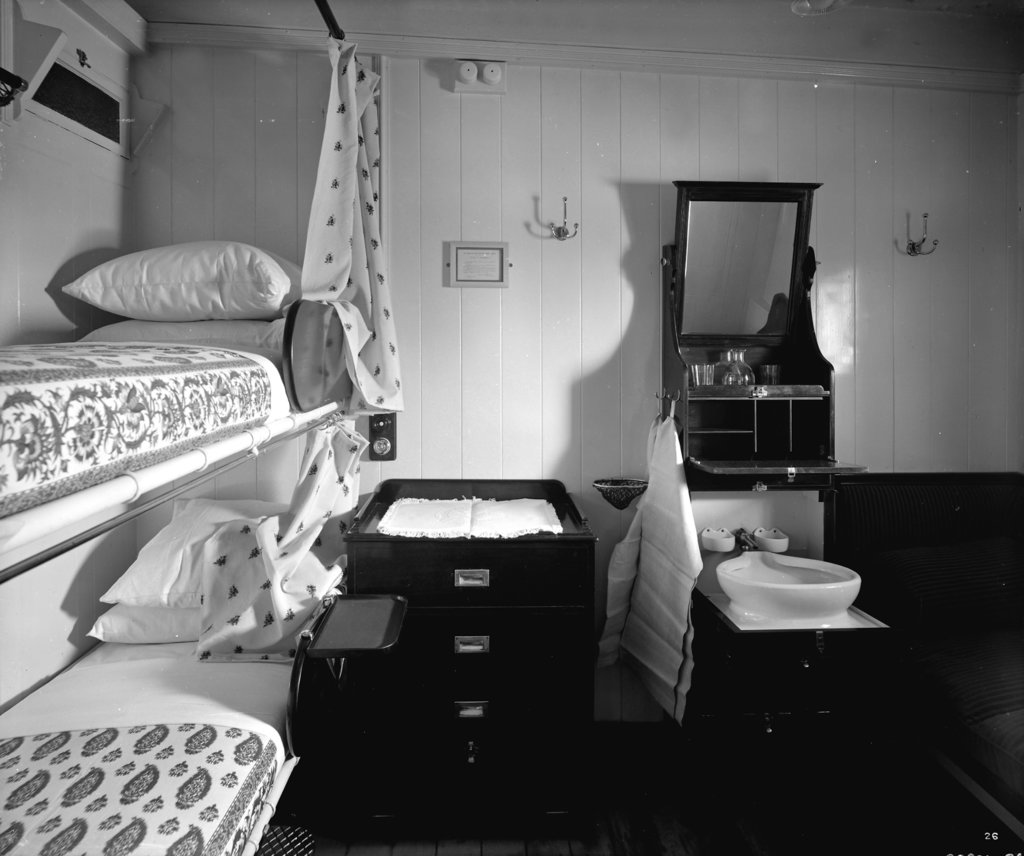 Detail of First Class stateroom on the 'Balmoral Castle' (1910) by Bedford Lemere & Co.