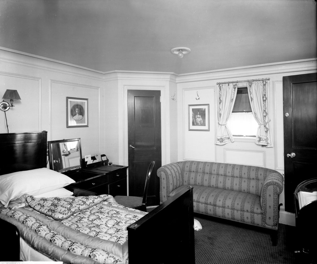 Detail of Romney Suite on the 'Aquitania' (1914) by Bedford Lemere & Co.